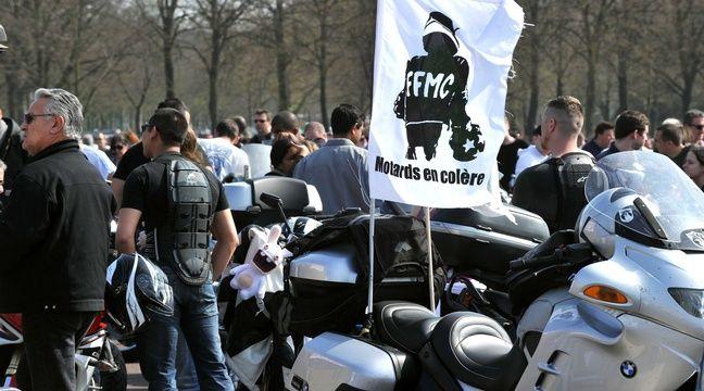 paris les motards se rassemblent ce lundi contre les vignettes crit air. Black Bedroom Furniture Sets. Home Design Ideas