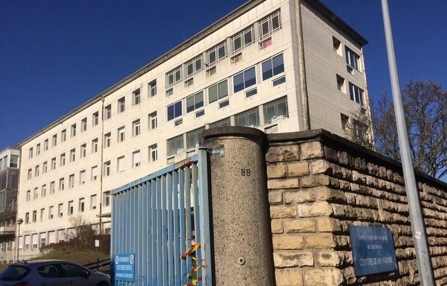 Le centre Jean Abadie du CHU de Bordeaux comprend l'Unité Médico-Psychologique de l'Adolescent et du Jeune Adulte.