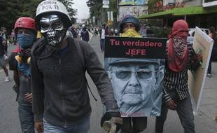 Des manifestants anti-gouvernement à Caracas au Venezuela, le samedi 10 juin 2017.