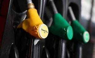 Les prix des carburants ont continué d'augmenter la semaine dernière en France, du fait de la hausse des prix du pétrole