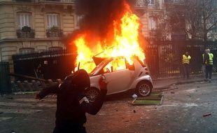 Des cocktails Molotov ont été très utilisés en marge des manifestations (ici à Paris).