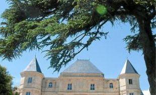 Le château de la Buzine (11e).