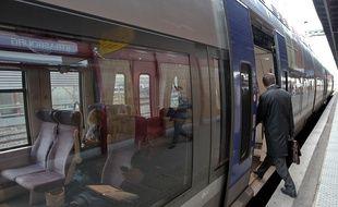 La SNCF annonce une amélioration du trafic TER pour mardi malgré l'appel à la grève de deux organisations syndicales (CGT et Sud Rail). (Illustration)