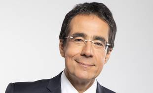 Le journaliste Darius Rochebin.
