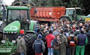 Mobilisation des agriculteurs à Saintes le lundi 8 février.