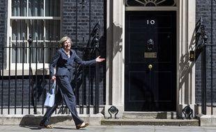 Theresa May, devant la résidence des Premiers ministres britanniques, le 12 juillet 2016.