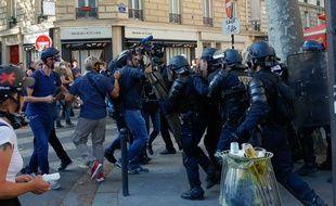 Des policiers en septembre 2019 durant une manifestation des ''gilets jaunes''