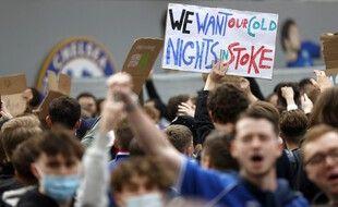 Les fans anglais de Chelsea ne sont visiblement pas la bonne cible pour Florentino Perez et sa bande.