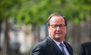 François Hollande, à Paris le 8 mai 2020.