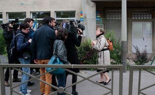 La mère de Vincent Lambert devant les médias.