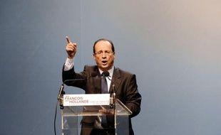 Le ministre de la Défense Gérard Longuet a suscité un tollé au PS lundi en comparant François Hollande au capitaine du paquebot naufragé Costa Concordia, nouvel épisode de la tension croissante de la campagne présidentielle qui a démarré.