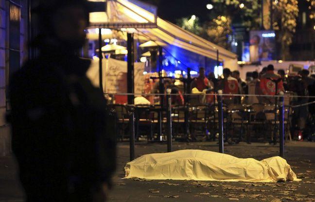 """Un """"réfugié"""" parmi les islamistes: le kamikaze syrien du stade de France a été enregistré en Grèce"""