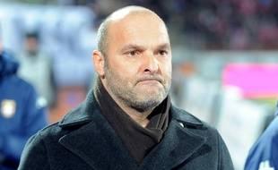 Pascal Dupraz, l'entraîneur d'Evian-Thonon-Gaillard, le 7 février 2015 contre Bordeaux, à Annecy.
