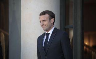 Emmanuel Macron ne souhaite pas rétablir l'augmentation automatique de la taxe carbone.
