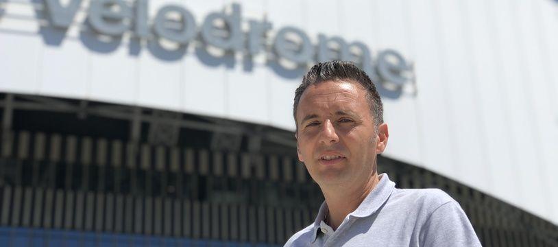 L'économiste Lionel Maltese, le 7 août 2020, devant le stade Vélodrome.