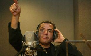 Cheb Mami en séance d'enregistrement dans le studio La Rose au Caire en 2006.