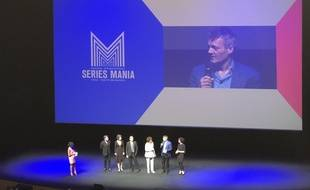 Chris Brancato et le jury de la 9e édition de Series Mania à Lille, lors de la cérémonie d'ouverture du festival le 27 avril 2018.