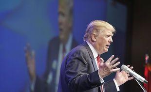 Le candidat Donald Trump lors d'un dîner organisé par le parti républicain à Hot Springs, dans l'Arkansas (Etats-Unis), le 17 juillet 2015.