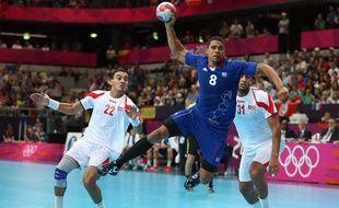 Le Français Daniel Narcisse au tir contre la Tunisie, le 2 août 2012, à Londres.