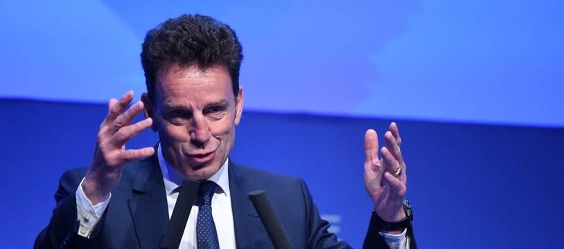 Elu mardi président du Medef, dont il est un pilier depuis cinq ans, Geoffroy Roux de Bézieux veut incarner un patronat moderne.