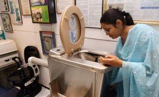 Au musée des toilettes de New Delhi, Inde, le 27 octobre 2007.