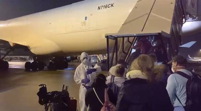 Quatorze Américains évacués d'un paquebot testés positifs au coronavirus