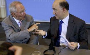 Français et Allemands continuaient mardi d'afficher leur désaccord sur la création d'euro-obligations à la veille d'un sommet européen informel qui devrait néanmoins consacrer le rapprochement de leurs points de vue sur l'articulation entre croissance et discipline budgétaire.