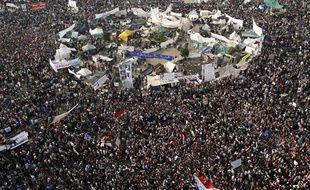 Manifestants sur la place Tahrir, au Caire, le 25 novembre 2011.