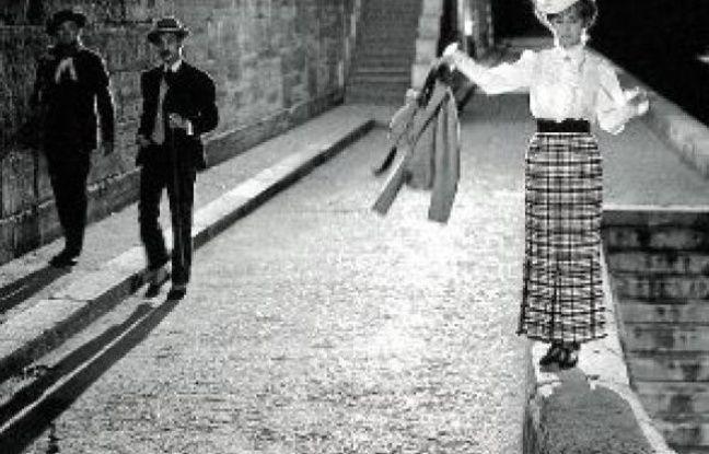 En 1962, les projecteurs pour les tournages en extérieur n'existaient pas.