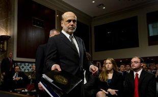 Le président de la banque centrale des Etats-Unis (Fed) Ben Bernanke a reconnu mardi à Washington que la croissance économique du pays s'était encore affaiblie au printemps et que les perspectives d'amélioration sur le front du chômage étaient plutôt moroses.