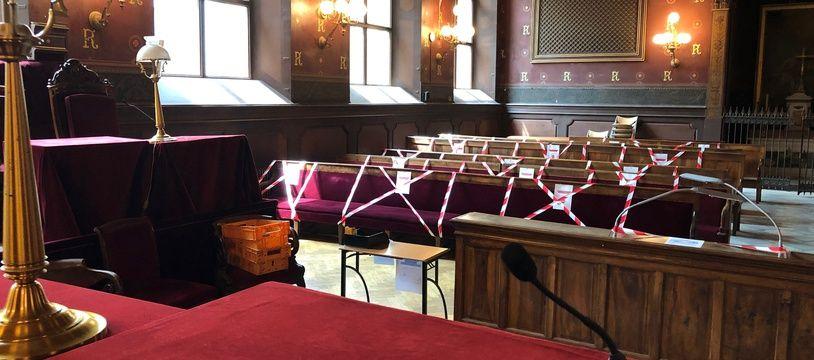 Dans la Grand' Chambre de la cour d'appel de Toulouse, un siège sur deux est indisponible.