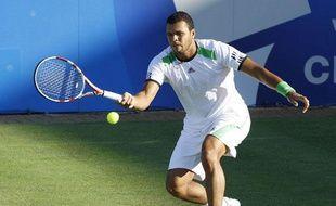 Jo-Wilfried Tsonga lors de son huitième de finale face à David Ferrer, à Wimbledon, le 27 juin 2011