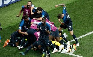 La joie des Bleus après le but de Pogba.