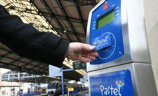 La carte Pastel permet déjà de circuler sur les deux réseaux Tisséo et SNCF mais avec deux abonnements différents