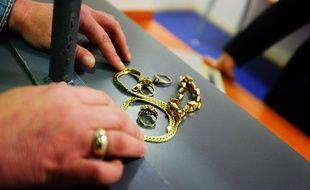 Un dépôt de bijoux au guichet du Crédit municipal. Archives