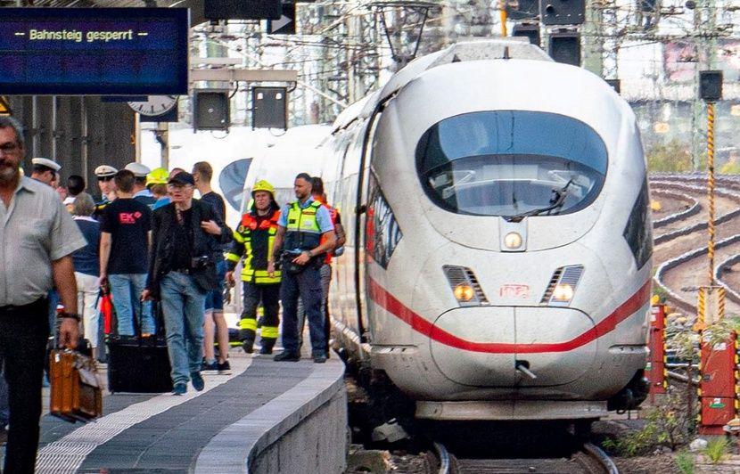 Attention à la fausse photo du petit garçon poussé sous un train en Allemagne