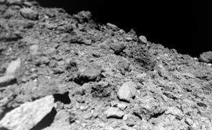 La surface de l'astéroïde Ruygu.