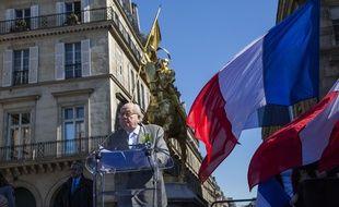 Jean-Marie Le Pen, président d'honneur du Front national, place des Pyramides à Paris le 1er mai 2016.
