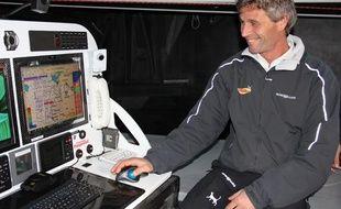 Le skipper Bernard Stamm à bord du monocoque Cheminées Poujoulat, le 6 novembre 2012.