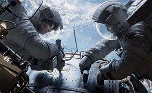 "Sandra Bullock et George Clooney dans le film ""Gravity"""