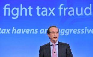 La France, l'Allemagne, la Grande-Bretagne, l'Espagne et l'Italie ont écrit à la Commission européenne pour demander un échange d'informations bancaires automatique au sein de l'UE, a annoncé mardi le ministre français de l'Economie Pierre Moscovici à l'Assemblée nationale.