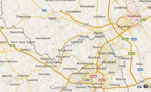 Trois personnes de la mouvance djihadiste ont été interpellées à à Harelbeke (ouest), à une vingtaine de kilomètres de la frontière française.