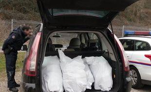 Les douaniers de Lyon ont intercepté 302 kilos de cannabis samedi 7 févier 2015.