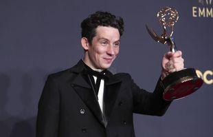 Josh O'Connor aux 73e Emmy Awards, le dimanche 19 septembre 2021, à Los Angeles.