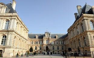 La mairie d'Amiens.