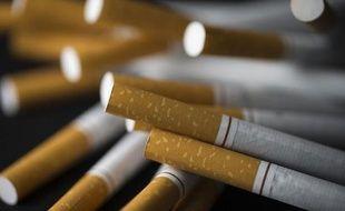 Le Comité national contre le tabagisme a déposé plainte contre quatre fabricants de cigarettes pour entente illicite sur les prix