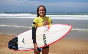 La surfeuse Justine Dupont.