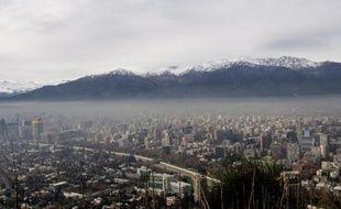 Les promesses de réduction de gaz à effet de serre (GES) aujourd'hui sur la table placent la planète sur la trajectoire d'un réchauffement de +3,5°C, dépassant largement l'objectif de 2°C maximum, selon une étude présentée mardi à Durban (Afrique du Sud).