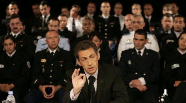 Nicolas Sarkozy en déplacement à Nice sur le thème de l'insécurité le 21 avril 2009. – REUTERS/Sebastien Nogier