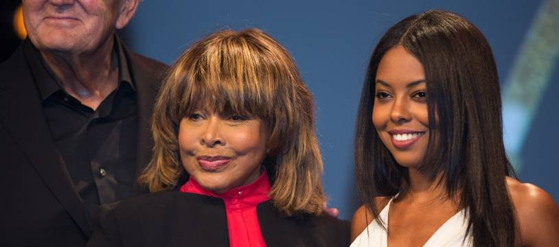 La chanteuse Tina Turner et Adrienne Warren, qui l'incarne dans la comédie musicale Tina